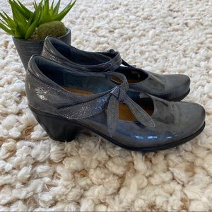 Naot pleasure Mary Jane pewter patent leather